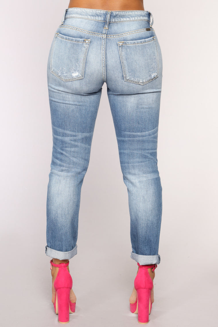 Lost In A Song Boyfriend Jeans - Medium Blue Wash