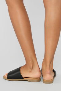 Not Letting Go Flat Sandals - Black Angle 3