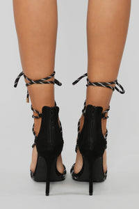 Move It Heeled Sandal - Black