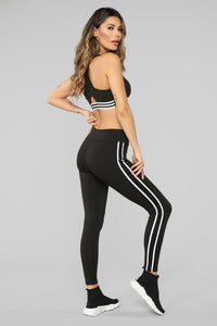 In The Game Active Sports Bra - Black