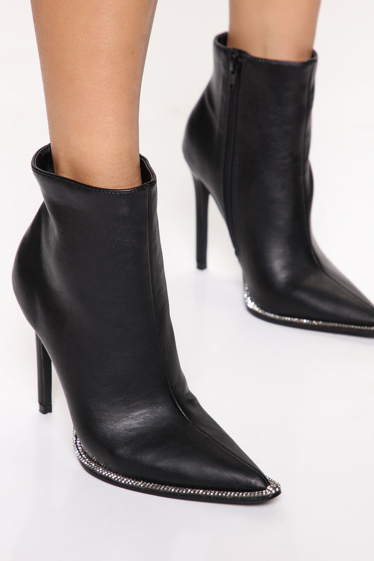 High Confidence Bootie - Black