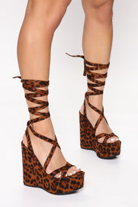Play The Part Wedge - Leopard Angle 1