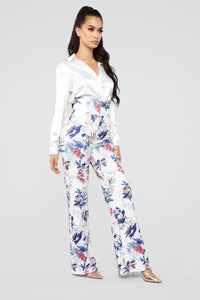 Weekend Vibes High Rise Floral Pants - White