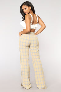 Clue You In Plaid Pants - Yellow
