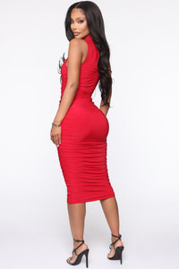 Perfectly Polished Ruched Midi Dress - Red Angle 3