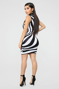 Wild Imagination Zebra Dress - Black/White Angle 4