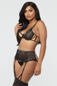 Never Say Goodnight Lace 2 Piece Set - Black
