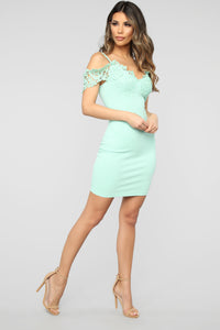 Dinner With Friends Off Shoulder Midi Dress - Mint