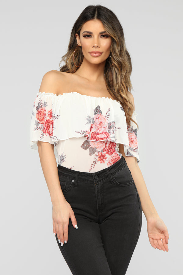 8fa5e17153939 Front Of Mine Off Shoulder Top - Ivory Combo