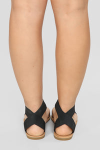 Undivided Attention Flat Sandals - Black Angle 4