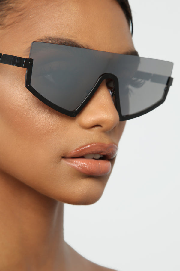 6e0378eb852b Fading Away Sunglasses - Black