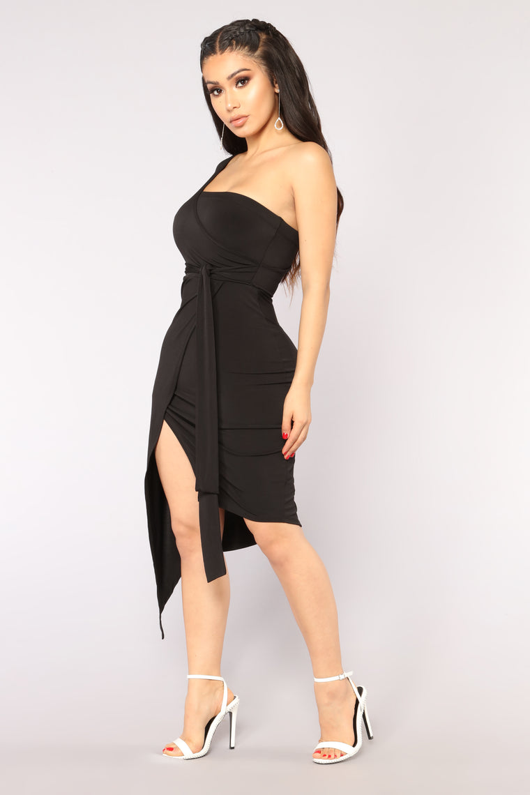 Friday Night Dinner Draped Dress - Black