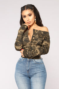 Fighting Feelings Off Shoulder Jacket - Camo