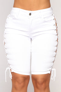 Girl Yes Lace Up Bermudas - White