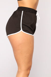 Runnin Wild Active Shorts - Black/White