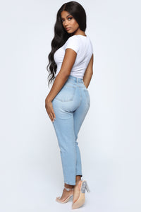 Straight To The Pant High Rise Mom  Jeans - Light Wash