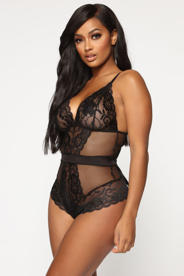 560d746f36672 What You Do To Me Lace Teddy - Black