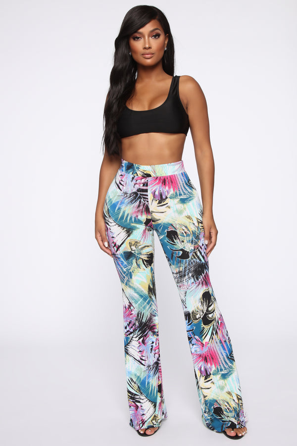 cfa6919bd541d9 Tropical Vibes Printed Flare Pants - Green/combo
