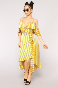 Different Vibe Ruffle Dress - Yellow/Ivory