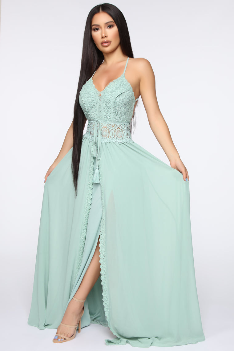 In The Middle Of Romance Maxi Dress - Sage