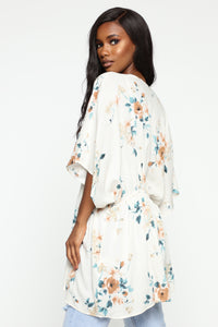 No Strings Attached Kimono - Ivory