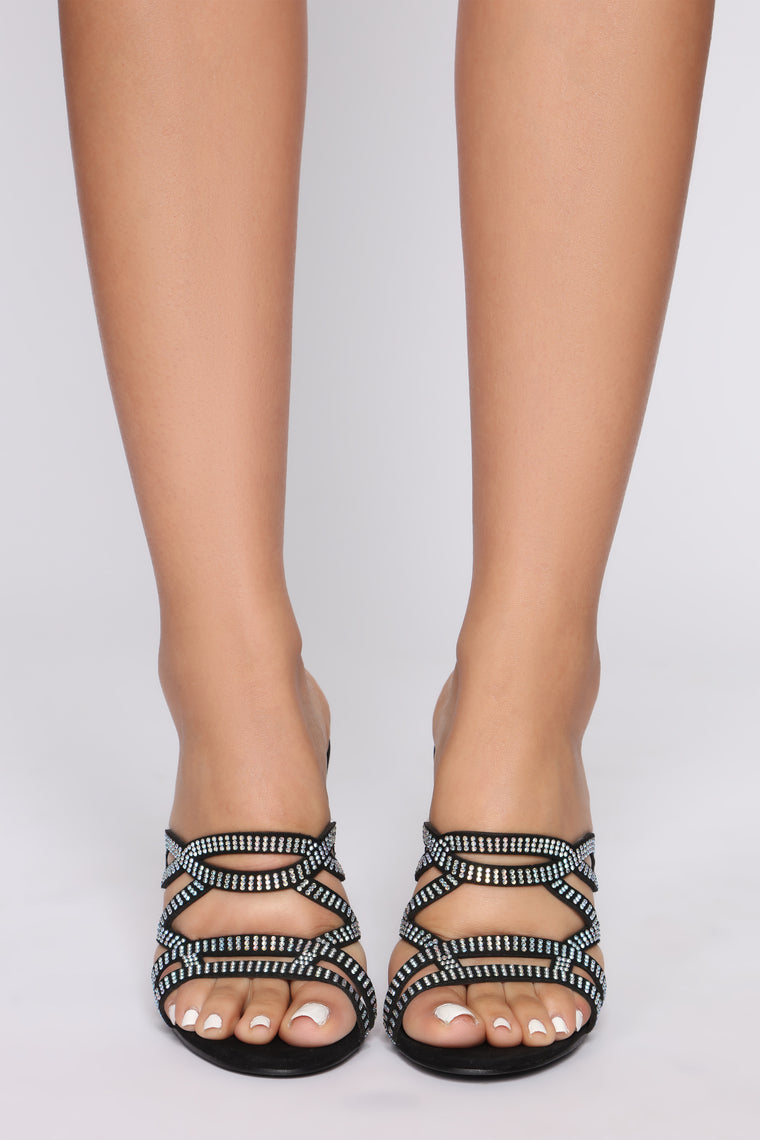 Picture Perfect Heeled Sandals - Black