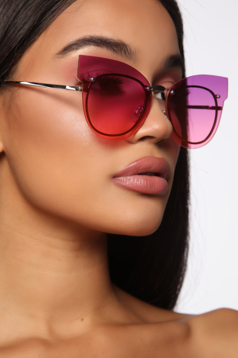 Take The Lead Sunglasses - Purple/Pink