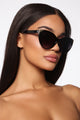 Falling For You Sunglasses - Black