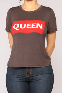 I Am Your Queen Tee - Black