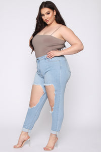 Breezy Babe Distressed High Waist Skinny Jeans - Light Blue