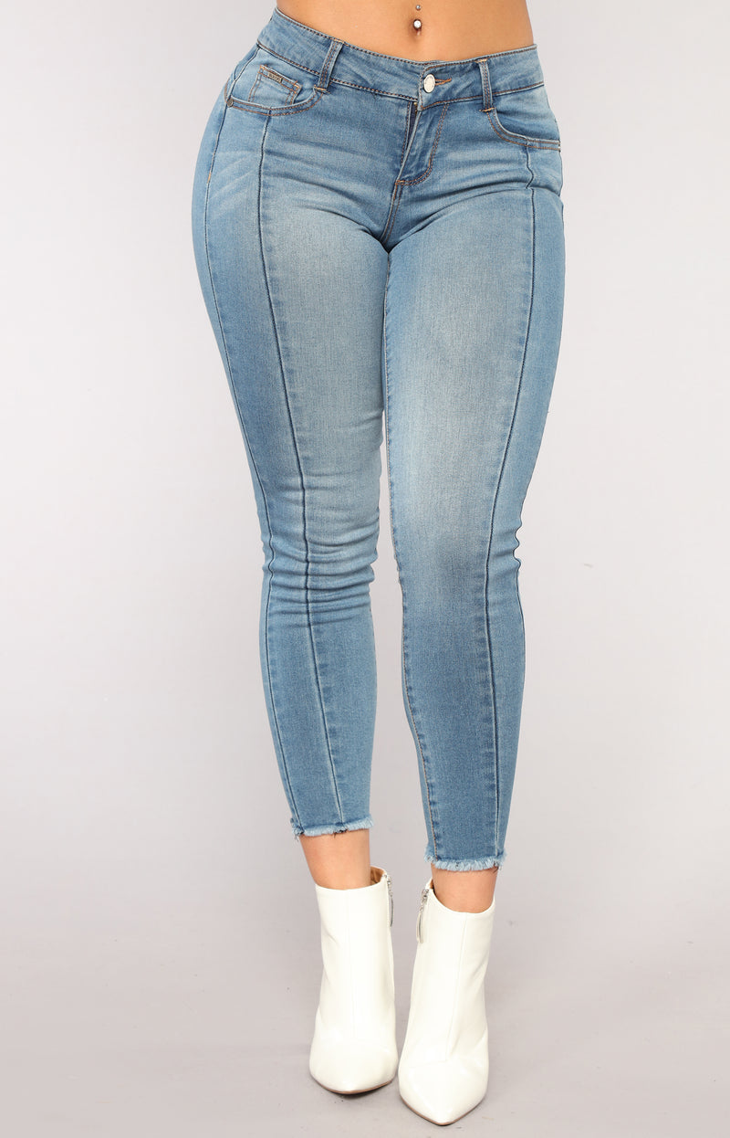 Cassidy Ankle Jeans - Medium Blue Wash