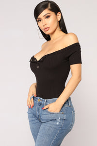 Janae Off Shoulder Bodysuit - Black
