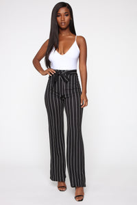 Playing Flare Tie Waist Pants - Black/White Angle 3