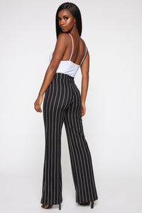 Playing Flare Tie Waist Pants - Black/White Angle 5