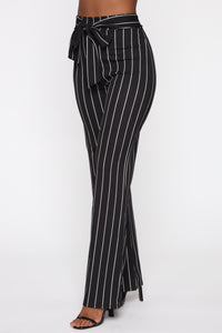Playing Flare Tie Waist Pants - Black/White Angle 4