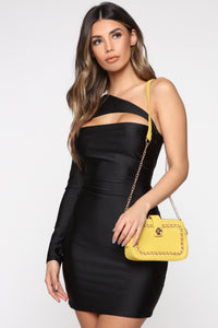 Got Me In Chains Crossbody Bag - Mustard