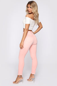 Lay Me Down Ankle Jeans - Pink