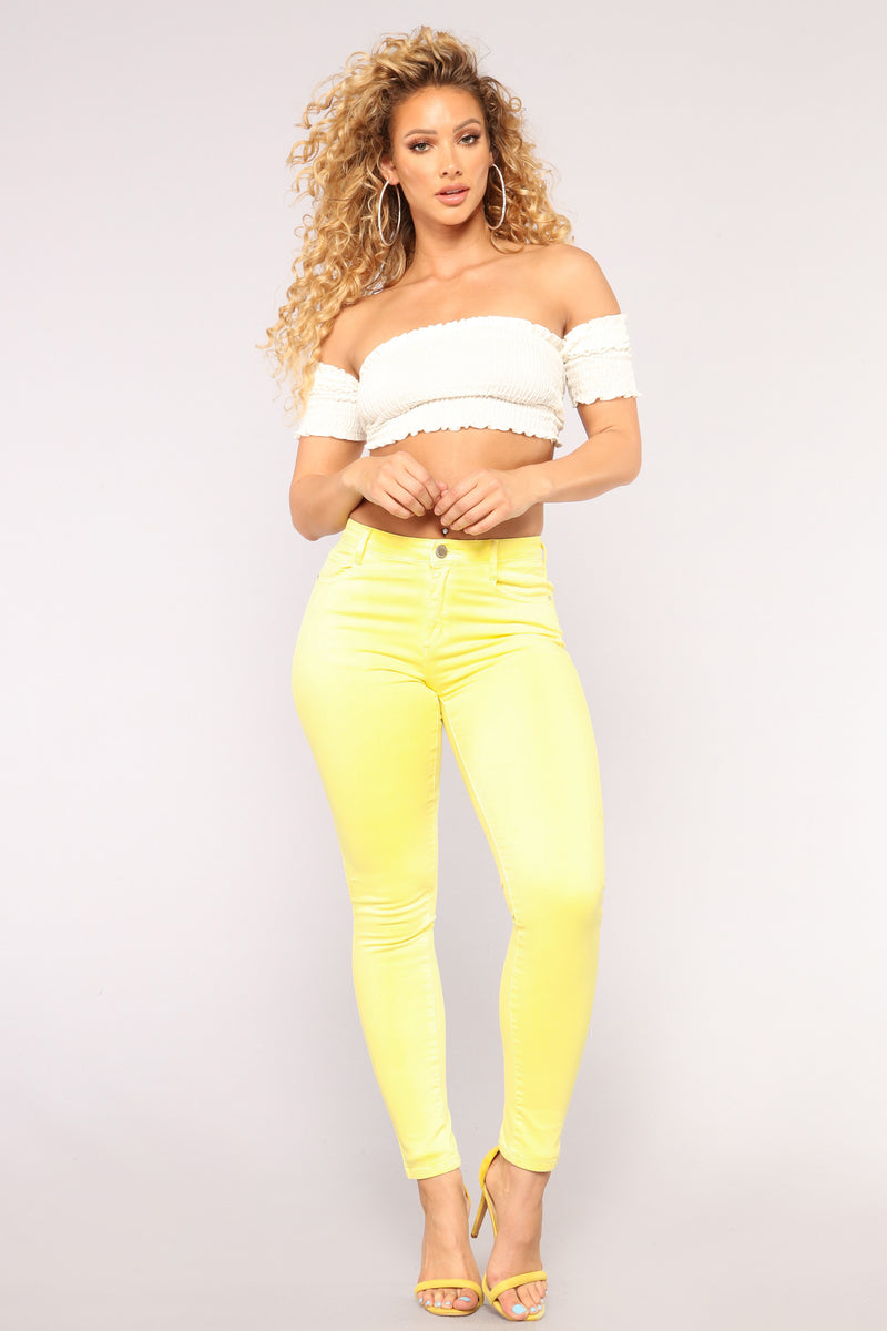 Dat Booty Jeans - Yellow