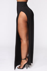Mariah Slit Skirt Set - Black Angle 5