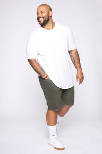 Mac Chino Short - Olive Angle 9