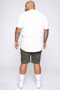 Mac Chino Short - Olive Angle 11