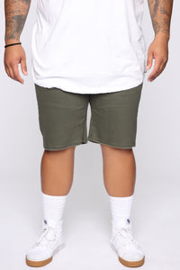 Mac Chino Short - Olive Angle 7