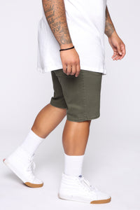 Mac Chino Short - Olive Angle 10