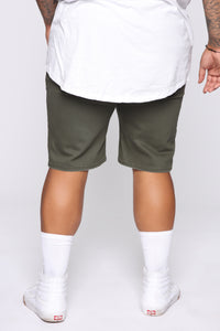 Mac Chino Short - Olive Angle 12