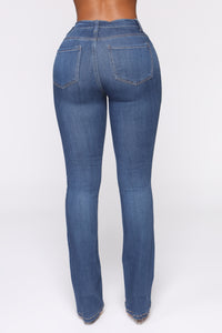 Don't Forget About Me Jeans - Medium Blue Wash