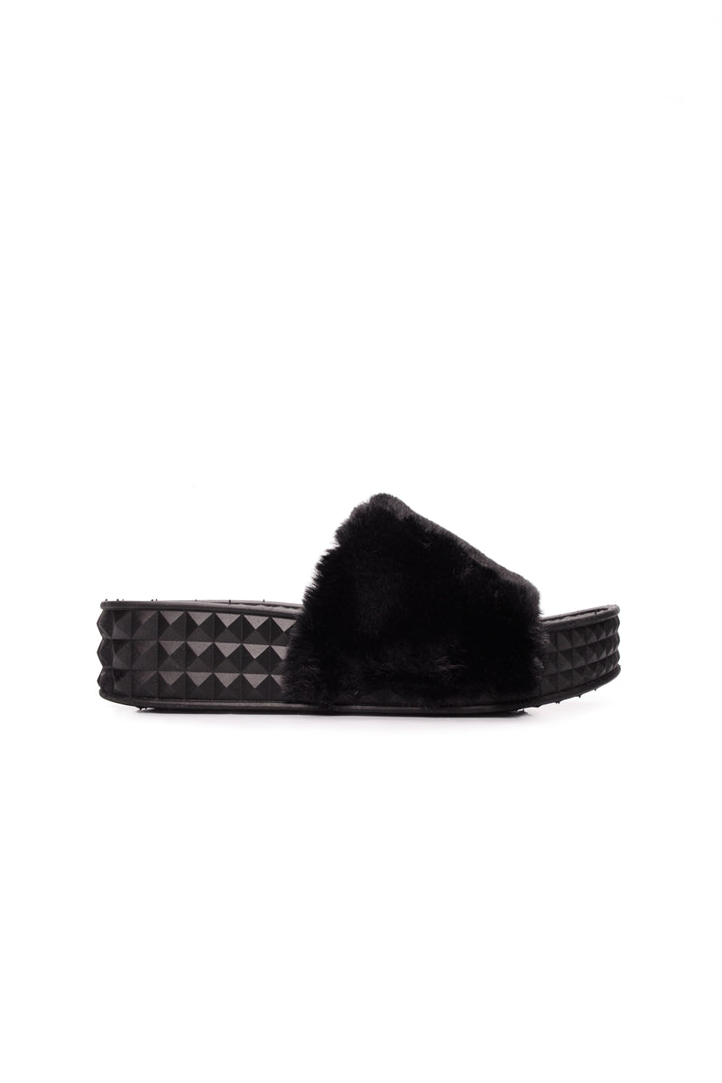 Cuddle N' Cute Slides - Black