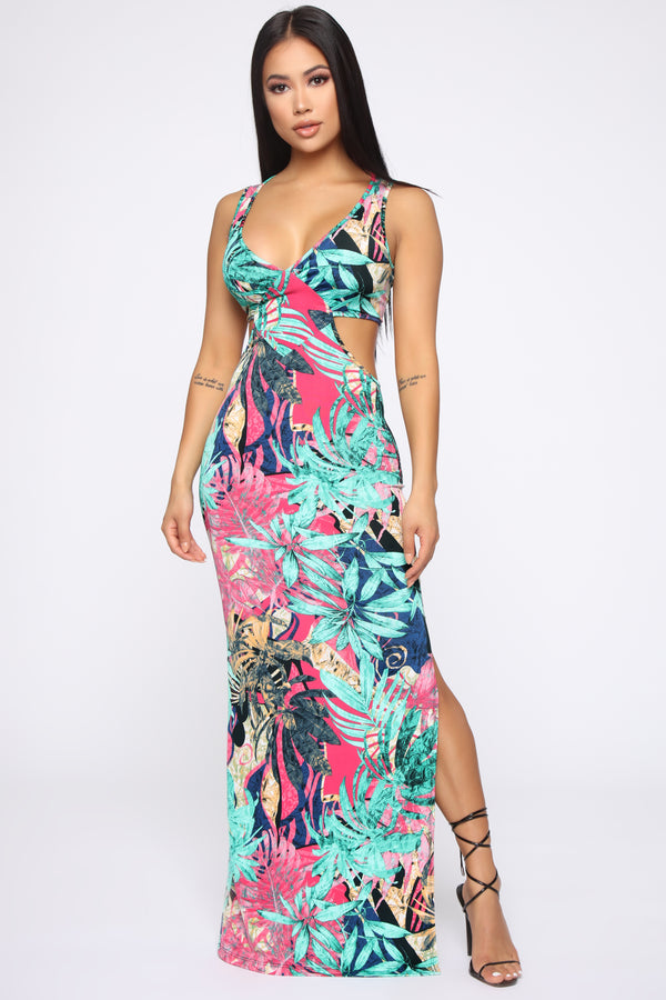 c86294e381610 Mind On Holiday Maxi Dress - Green/Combo