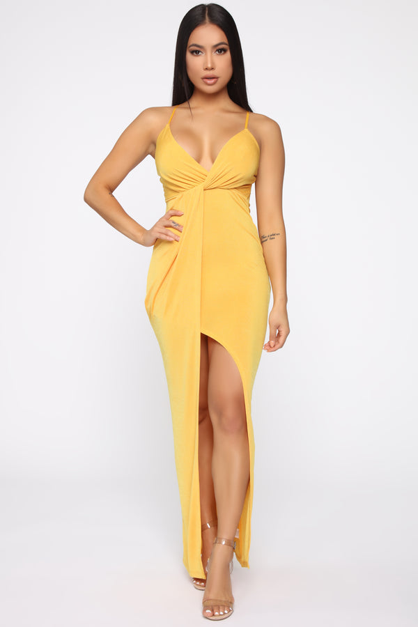4b9e5d7a81 That Special Someone Twist Front Maxi Dress - Gold