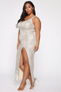 Family Affair Sequin Dress - Silver Angle 9