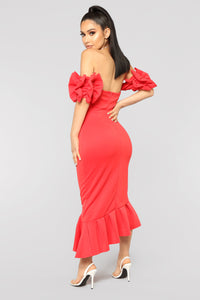 Sweet And Sassy Midi Dress - Red
